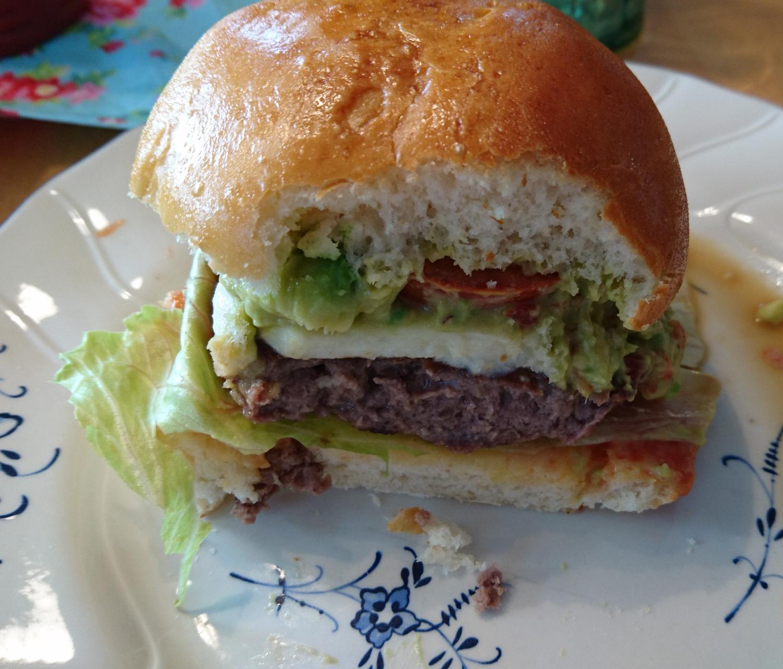 Hamburger mit Fleer vom Zauberstein und Rockcrok-Grillstein
