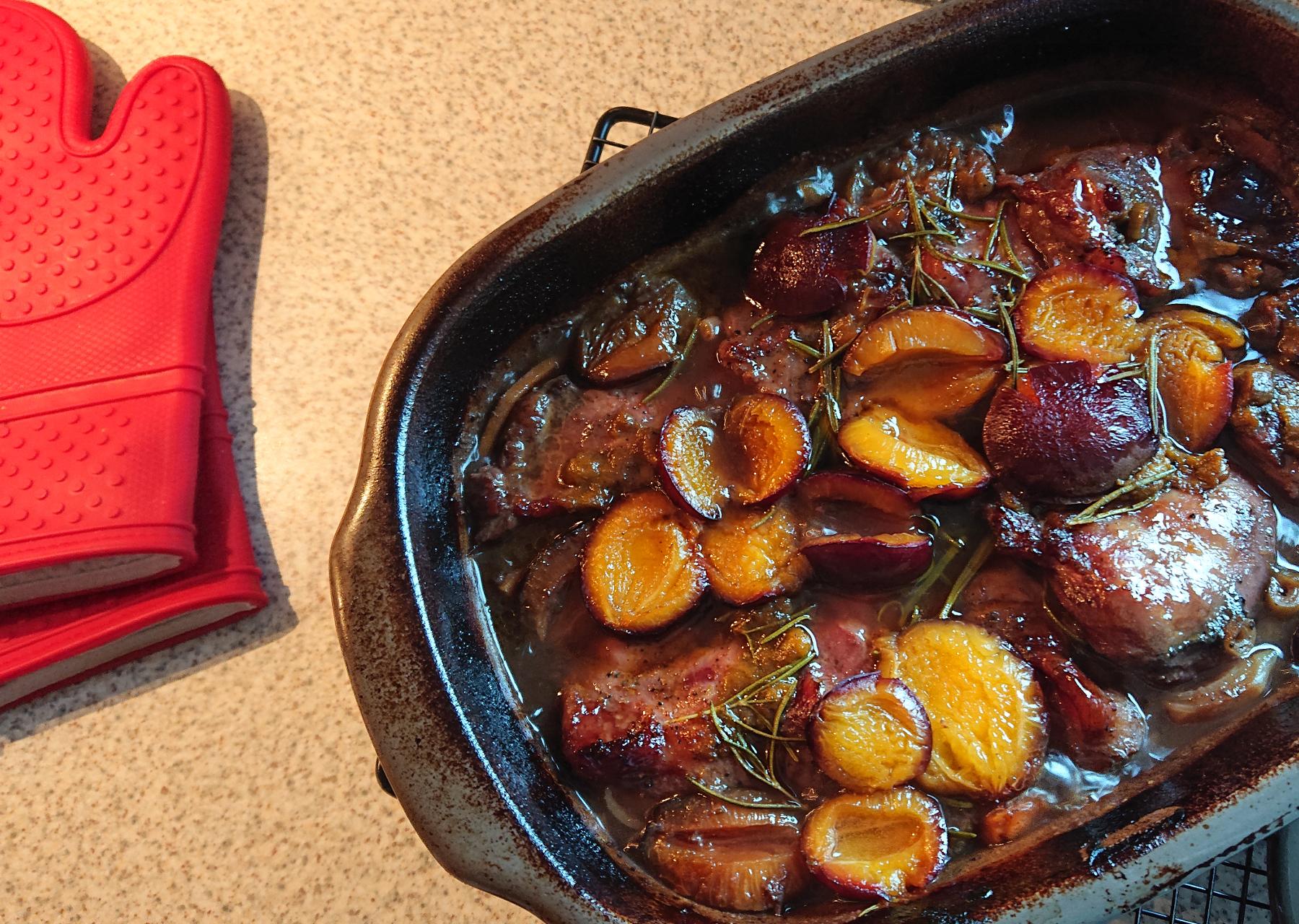 Schweinebäckchen auf Süßkartoffel-Möhren Gemüse