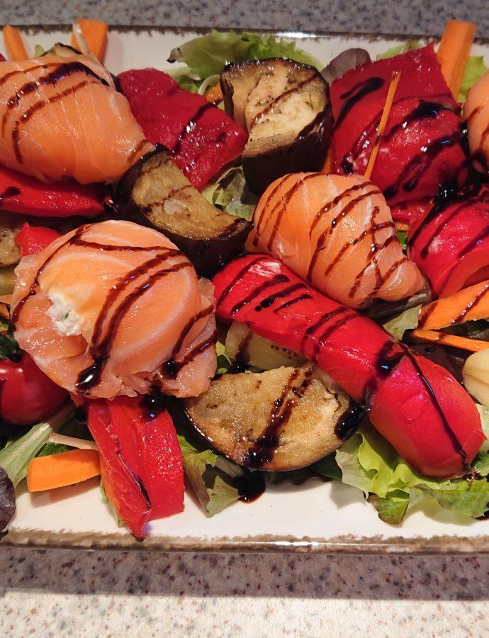 Salat mit Lachspralinen